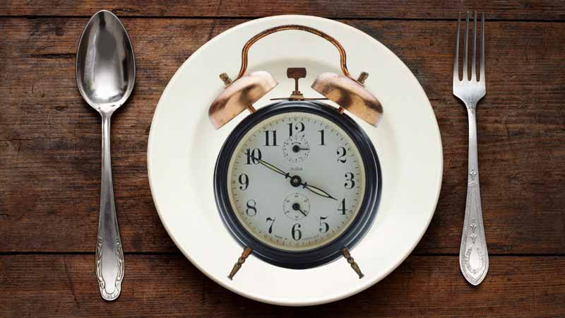 What are the Health Benefits of Fasting Intermittently?